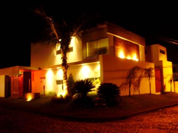 Casa San Roque nocturna foto