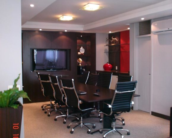Sala de reuniones arquitectura comercial