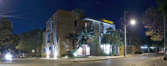 La Morada Hotel Posada Fachada Noche