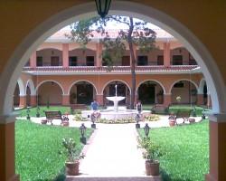 004-patio-central-lemoustier