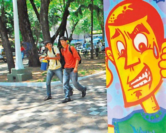 grafitis-dan-vida-al-microcentro-gracias-cultores-del-arte-urbano