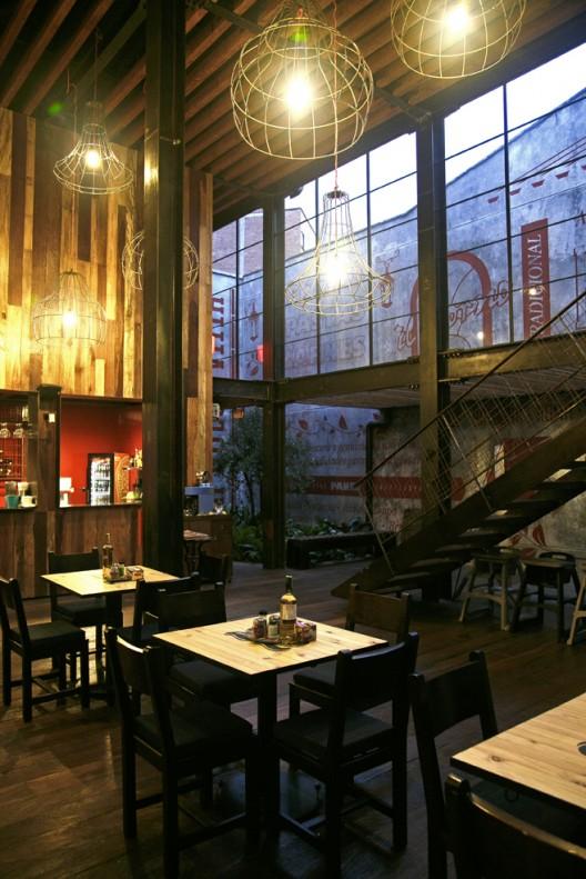 51b7f0b1b3fc4bf962000039_restaurant-ilforno-plasma-dise-o-_a_-5--528x791
