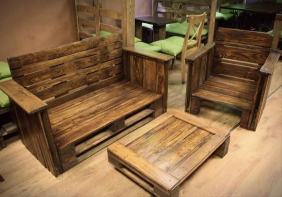 bonito-conjunto-muebles-madera